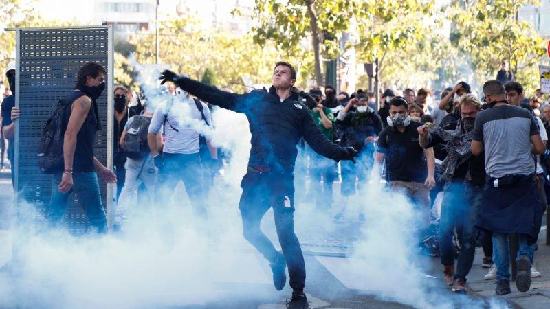 Rellen in Parijs: Black Block onder klimaatdemonstranten