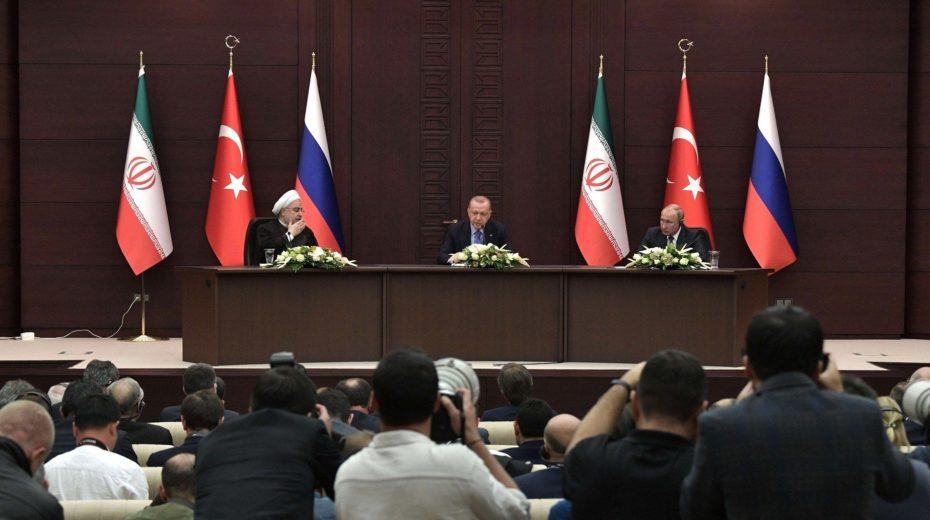 De top van Turkije toont de groeiende invloed van Rusland op het Midden-Oosten
