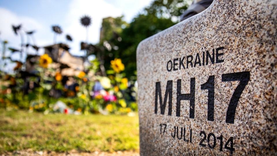 Onderste steen MH-17 naar boven vergeet het maar