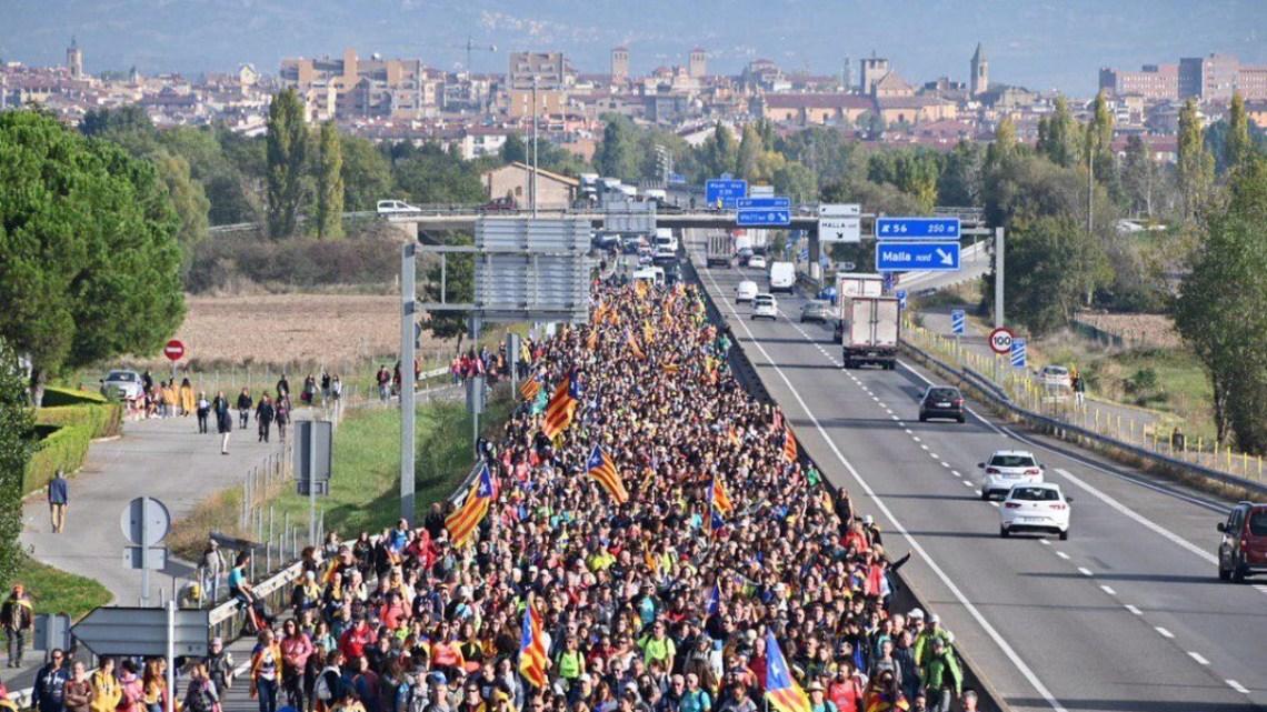 Waarom kunnen wij dit niet! #boeren en burgers in een mars van de vrijheid van 100 km in Catalonië