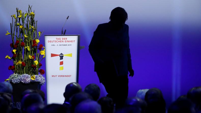 """Merkels bizarre toespraak voor de """"dag van de Duitse eenheid"""""""