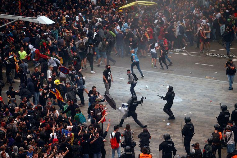 'Madrid bezegelde het lot van Spanje': pro-onafhankelijkheid Catalaanse 'martelaren veroordeeld tot 100 jaar gevangenisstraf'