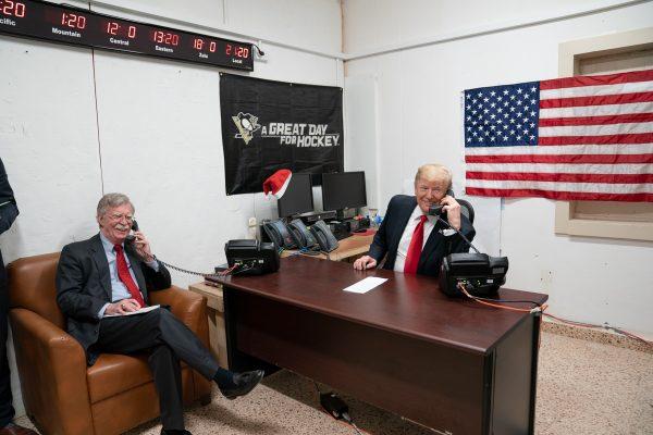 """Er is veel speculatie dat John Bolton de """"tweede klokkenluider"""" is"""