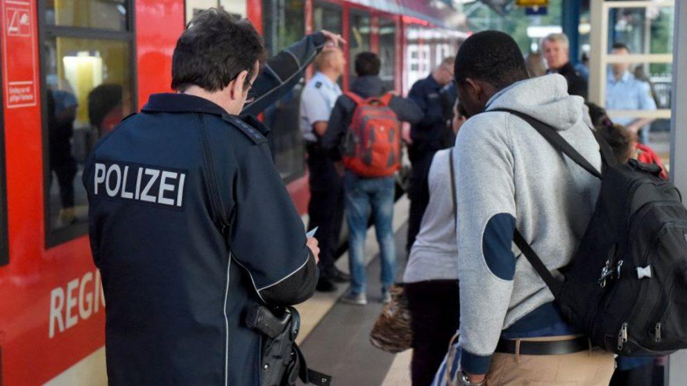 Sociale fraude en terreur door valse identiteiten: wie ben ik – en zo ja, hoeveel?
