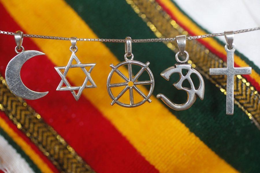 Religieuze symbolen verbieden voor meer vrijheid?