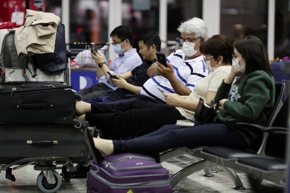 De WHO zegt zich voor te bereiden op 'binnenlandse uitbraken' naarmate het coronavirus stijgt