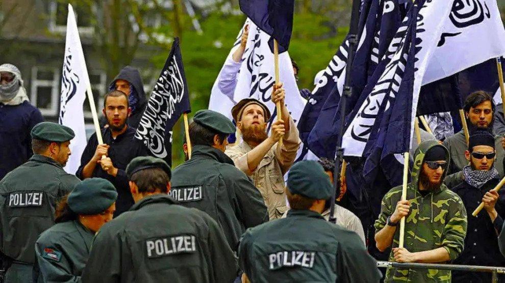 Eldorado voor haatpredikers: Merkel trekt steeds meer radicale salafisten – hotspot is Duitsland