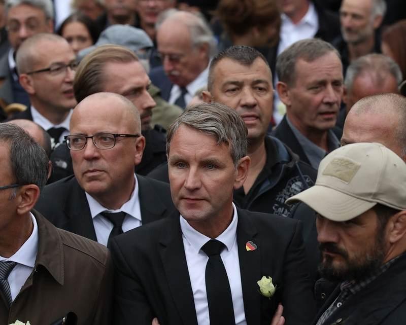 Loopt Duitsland gevaar zijn nazi-verleden te herhalen?