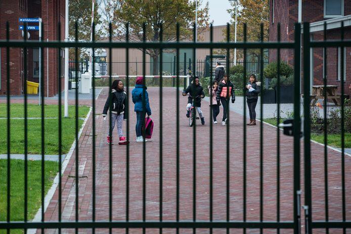 Ons door-woningtekort-geteisterde landje moet 6.500 woningen gaan ophoesten voor asielzoekers