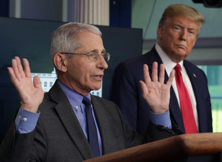 Het Witte Huis gaat Fauci in diskrediet brengen omdat meningsverschillen met Trump duidelijk worden