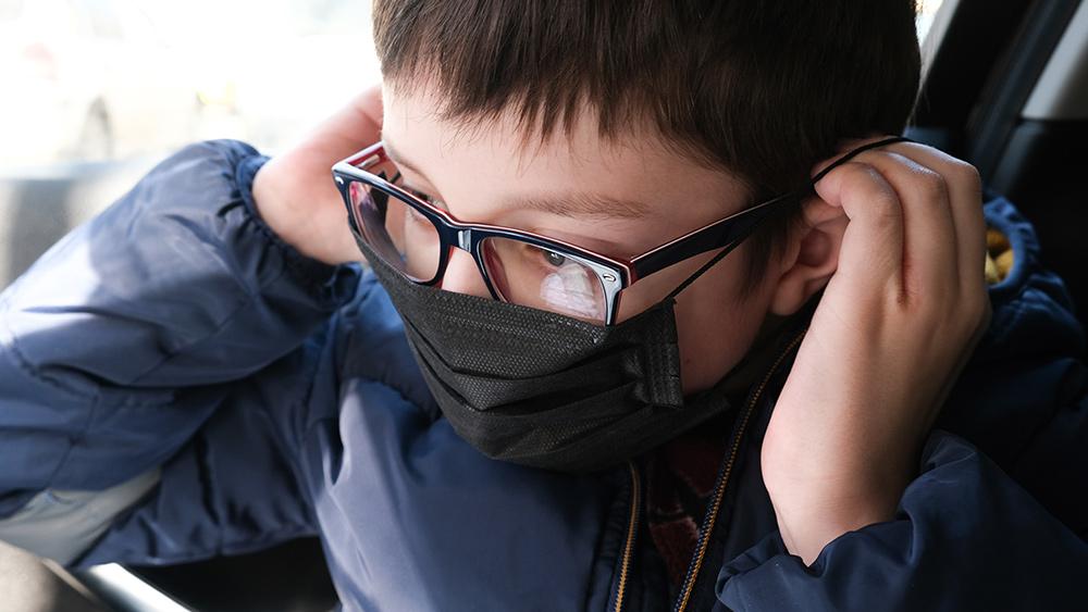 Nieuwe studies waarschuwen dat coronavirusgevallen kunnen toenemen als kinderen te snel weer naar school worden gelaten