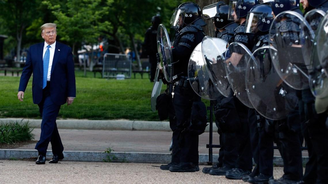 """USA """"FREEDOM"""" ACT: Democraten hebben onlangs gestemd om Trump nog MEER politiemacht te geven"""