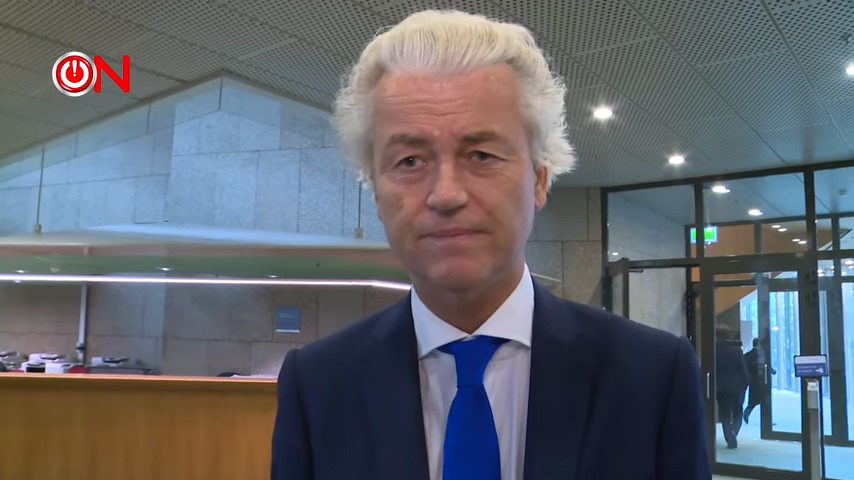 """PVV-leider Geert Wilders heeft gisteren fel uitgehaald naar de coronaspoedwet die het kabinet nog voor 1 juli door de Tweede en Eerste Kamer wil jassen. Net zoals de meeste andere oppositiepolitici is ook de geblondeerde Limburger een felle tegenstander van de wet: """"Bezint eer ge begint, doe het niet! Gooi die wet de prullenbak in."""""""