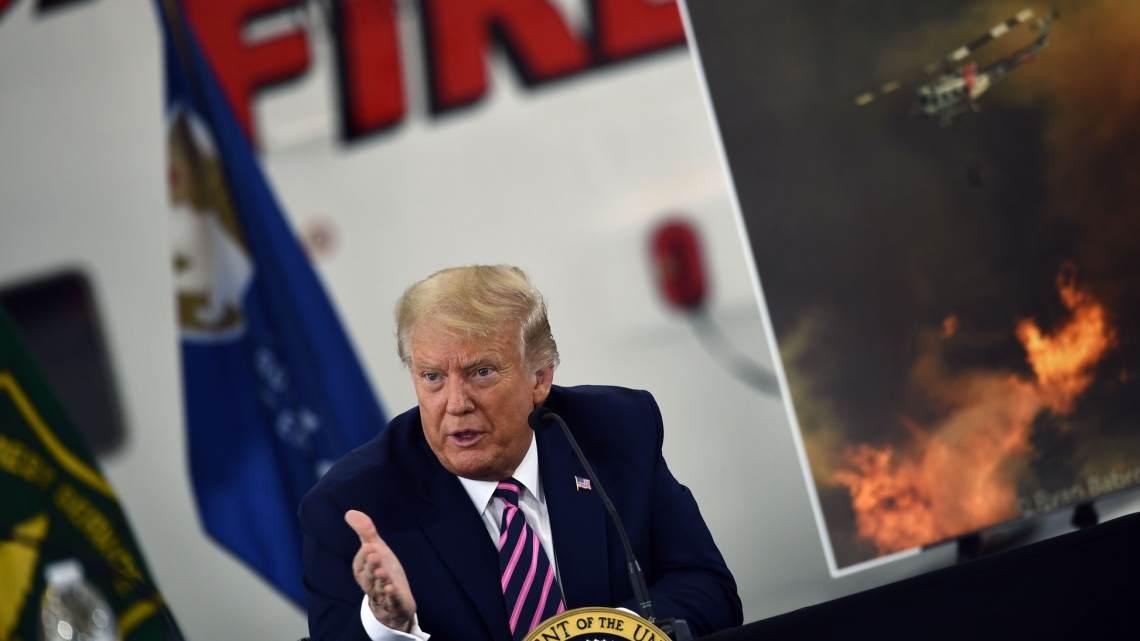 De gezamenlijke missie van Corporate America en QAnon om de wereld te laten branden