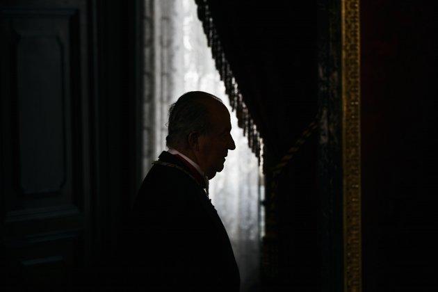 Oud koning Juan Carlos zou zijn zwangere 18-jarige minnaar hebben vermoord: een vip legt het uit