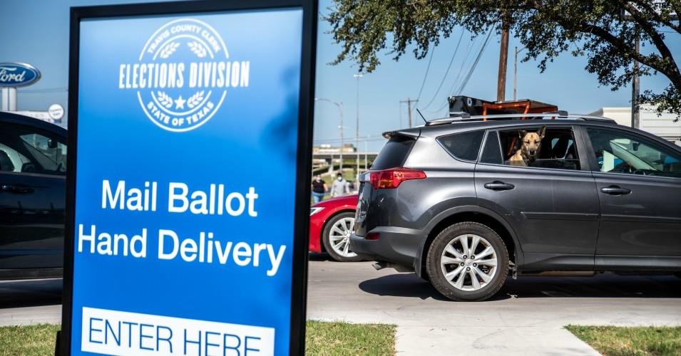 'Poging tot gerechtelijke staatsgreep in uitvoering': alarm klinkt als republikeinen van Texas de federale rechter vragen om bijna 130.000 stembiljetten weg te gooien