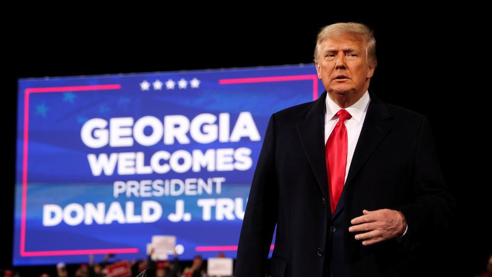 Trump klaagt Georgische staatssecretaris aan wegens gelekte oproep te midden van beschuldigingen fraude oproep