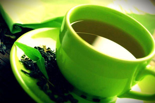 Japonya'da yapılan araştırmalarda sık sık yeşil çay tüketen insanlarda başta prostat, kolon ve deri kanserlerinin gelişim oranının belirgin şekilde azaldığı gözlemlenmiş.