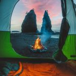 """<span class=""""title"""">Beach campfire in Washington🔥  Captured by @kylekotajarvi  👉If you like content like this, hit that FOLLOW button!  .. #キャンプアウトドアJP #フォトコン</span>"""
