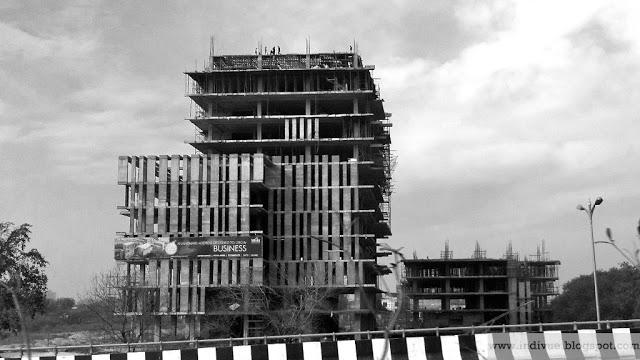 Rakennustyömaa Delhissä