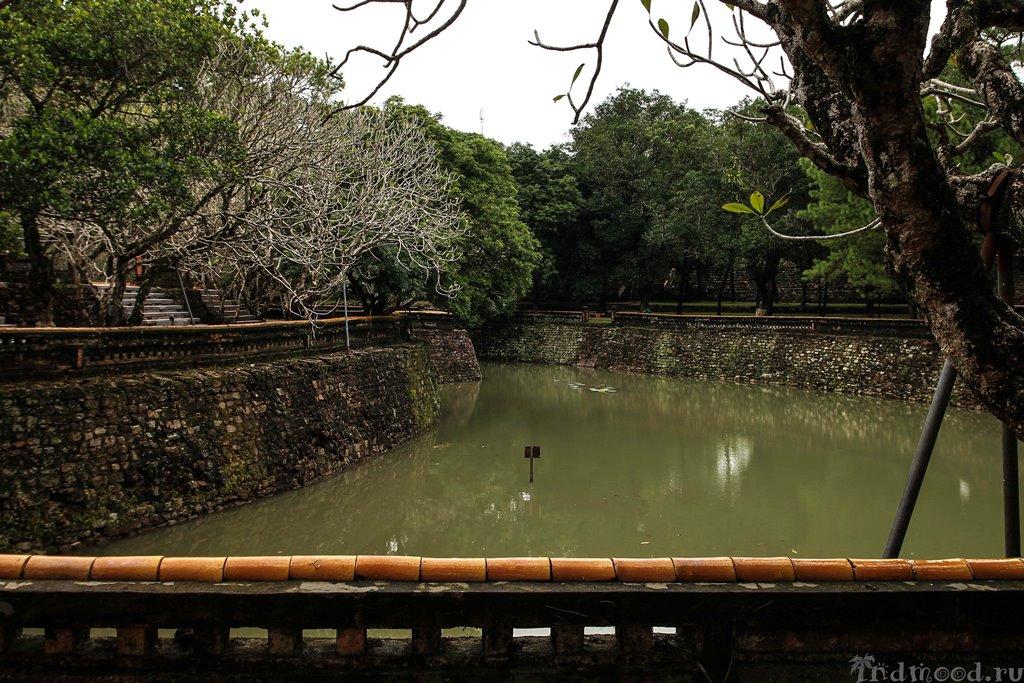 гробница императора Хюэ