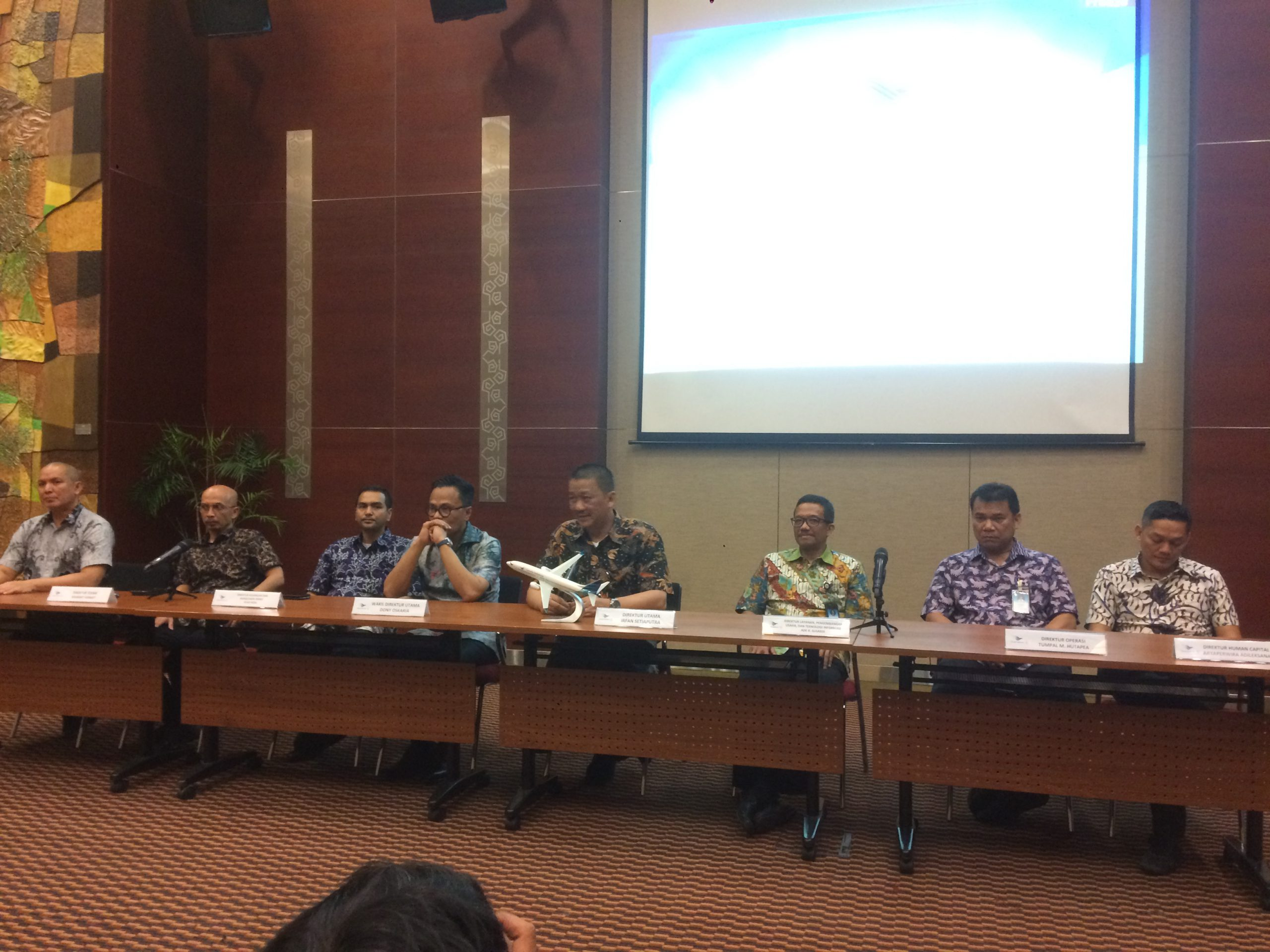 Pembayaran Gaji 25.000 Karyawan Grup Garuda Indonesia ...