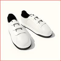 047 Sepatu