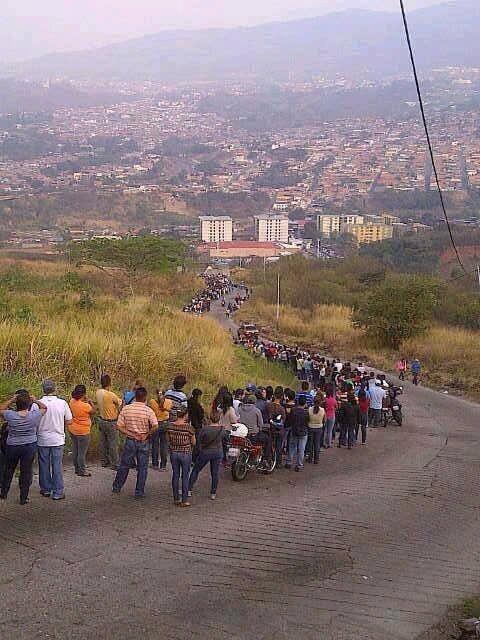 """""""Bucuriile"""" socialismului în Venezuela"""