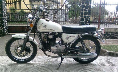 Honda CB100 1972