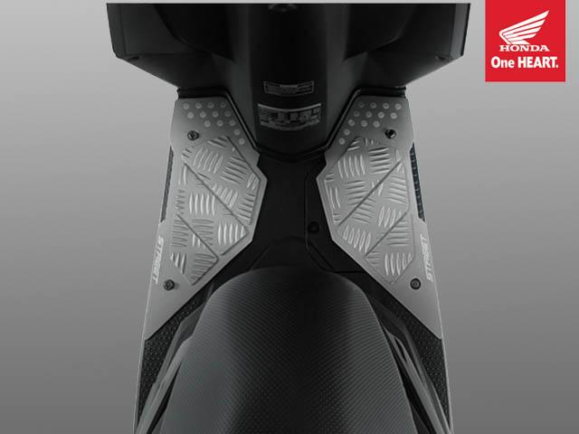 Double Step Floor - aksesoris Honda BeAT Street eSP