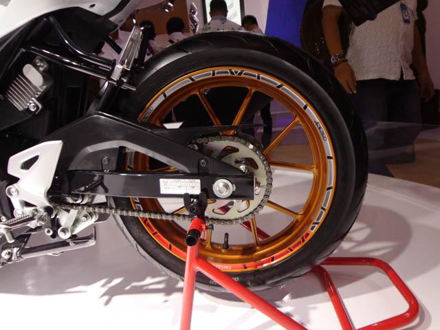aksesoris Suzuki GSX-R150 rim decal set
