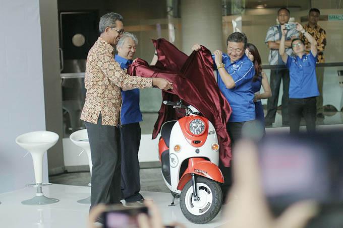 Launching Motor Listrik Yamaha E-Vino