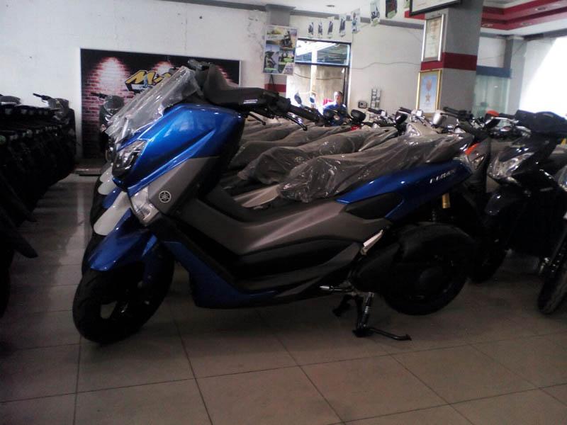 Yamaha NMAX Warna Biru