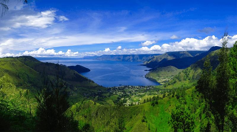インドネシアの北スマトラ州、東南アジア最大の湖「トバ湖」