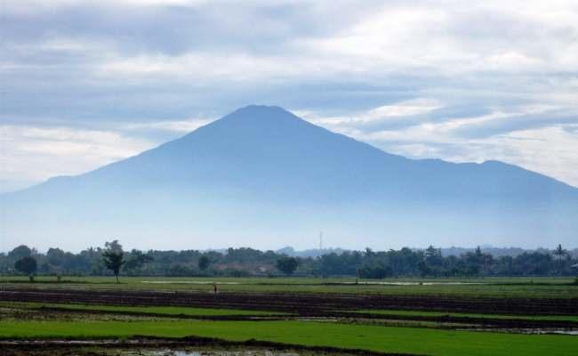 Gunung Ciremai in Linggarjati