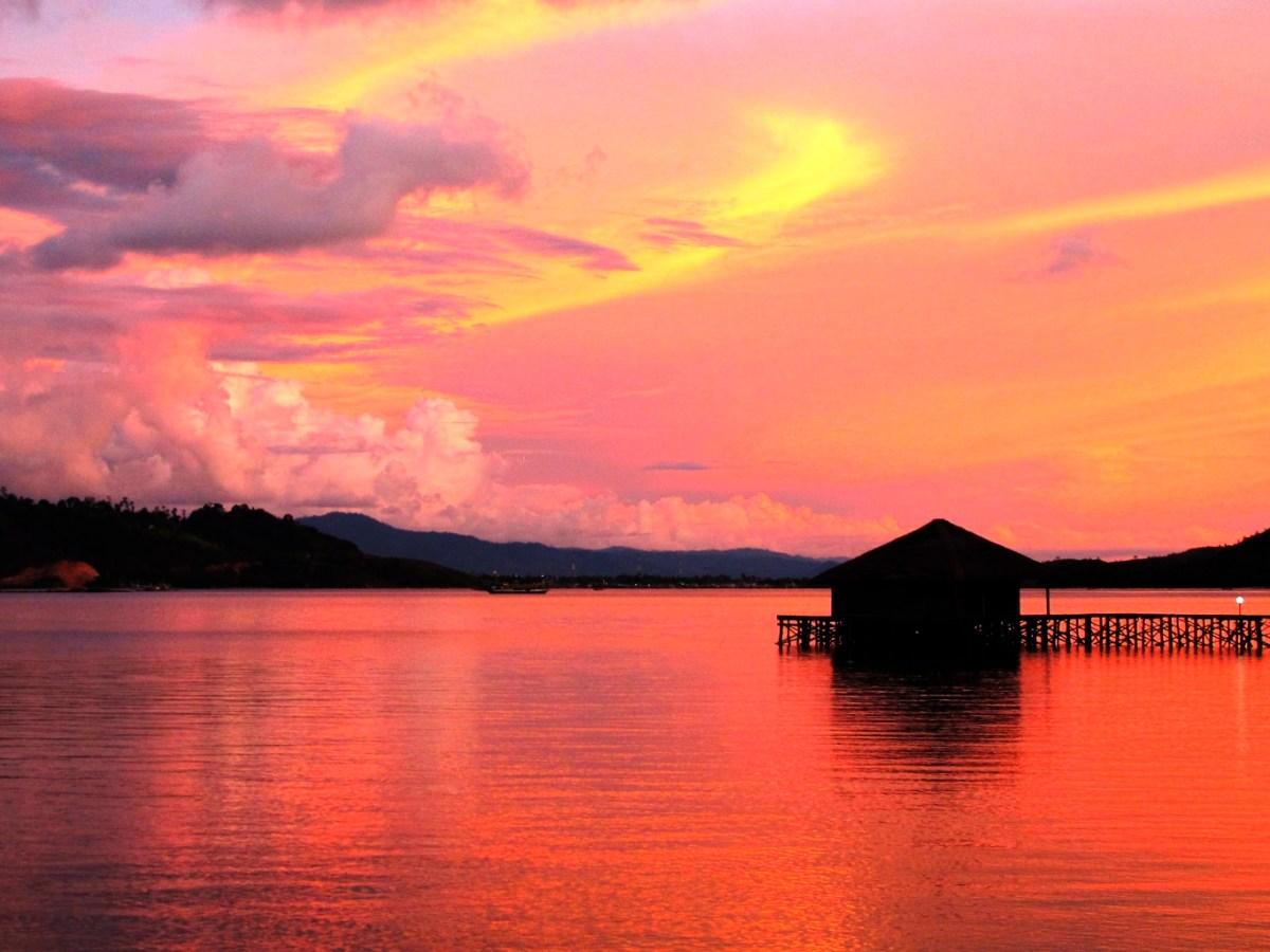 Raja Ampat il rosso del tramonto