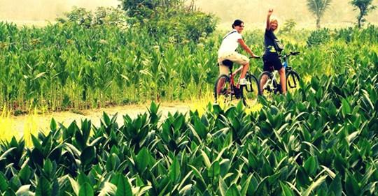 Bru e Anna in bici a Giava