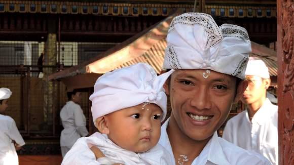 Bali religione  balinese con il bijia