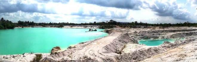Belitung Danau Kaolin i suoi colori