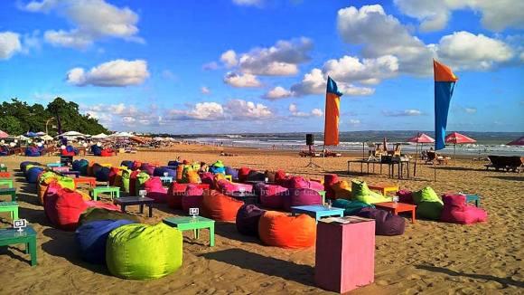 Bali dove andare al mare Legian beach allegria e colori