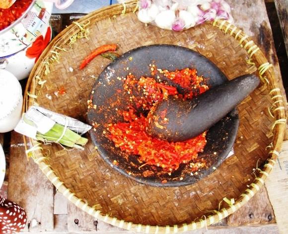 cosa mangiare Indonesia la piccante salsa Sambal