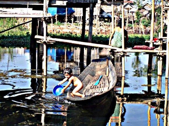 Myanmar lago inle villaggio
