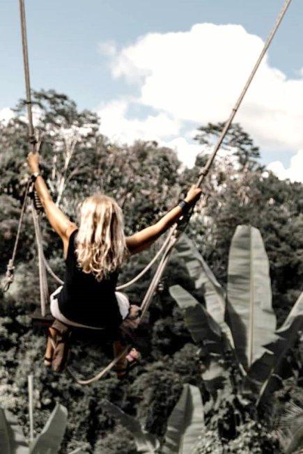 travel blogger altalena sulla giungla