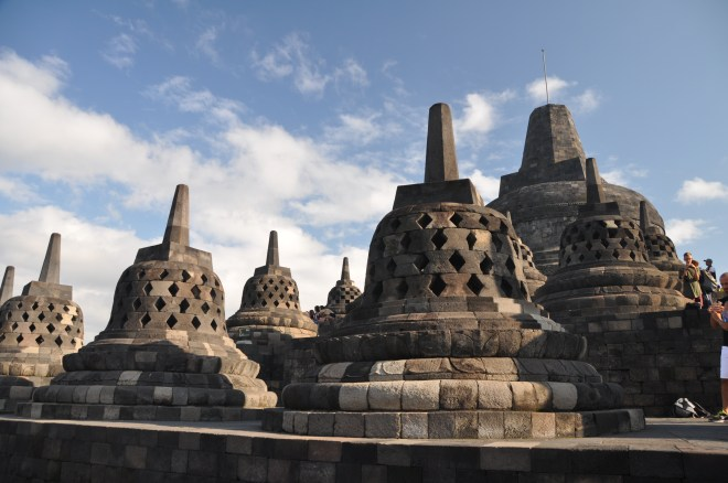 Travel blogger in Indonesia Borobudur foto di teresa