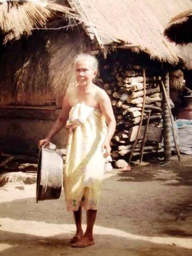 donna sasak al villaggio