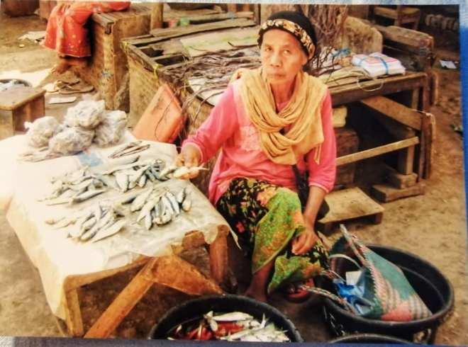 pesci in vendita al mercato di lombok