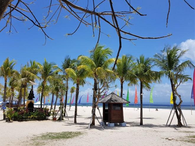 travel blogger in indonesia spiaggia-nusa-lembongan-bali-spuntidiviaggio
