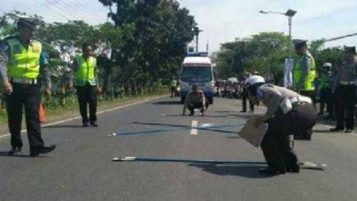 Hasil gambar untuk sukarna meninggal baliho jokowi-ma'ruf