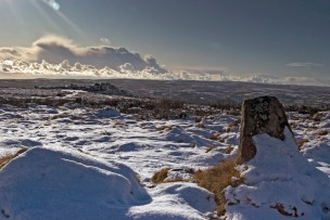 By Rob Gillies, Alone on a Dartmoor winters day, https://www.flickr.com/photos/goneloanwolf/4206971258/