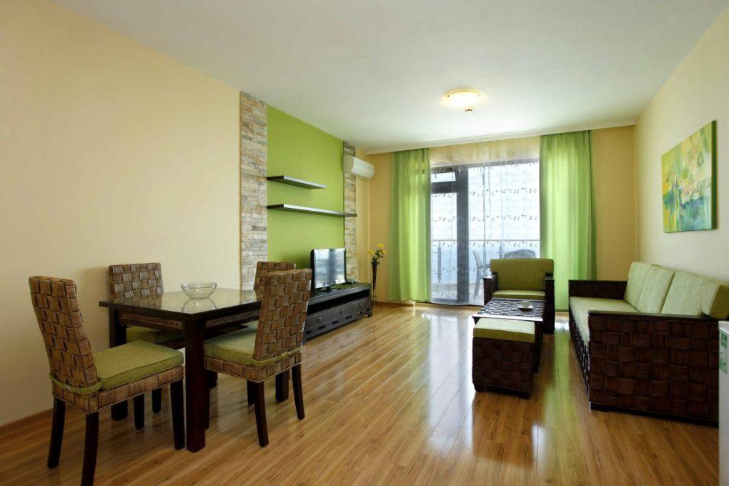 How to arrange dining room